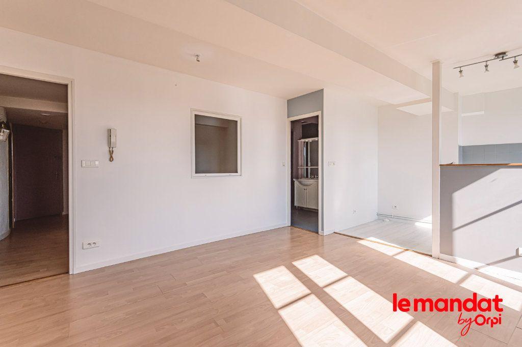 Appartement à louer 3 60m2 à Laon vignette-9
