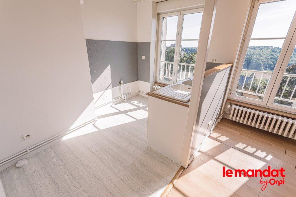 Appartement à louer 3 60m2 à Laon vignette-10