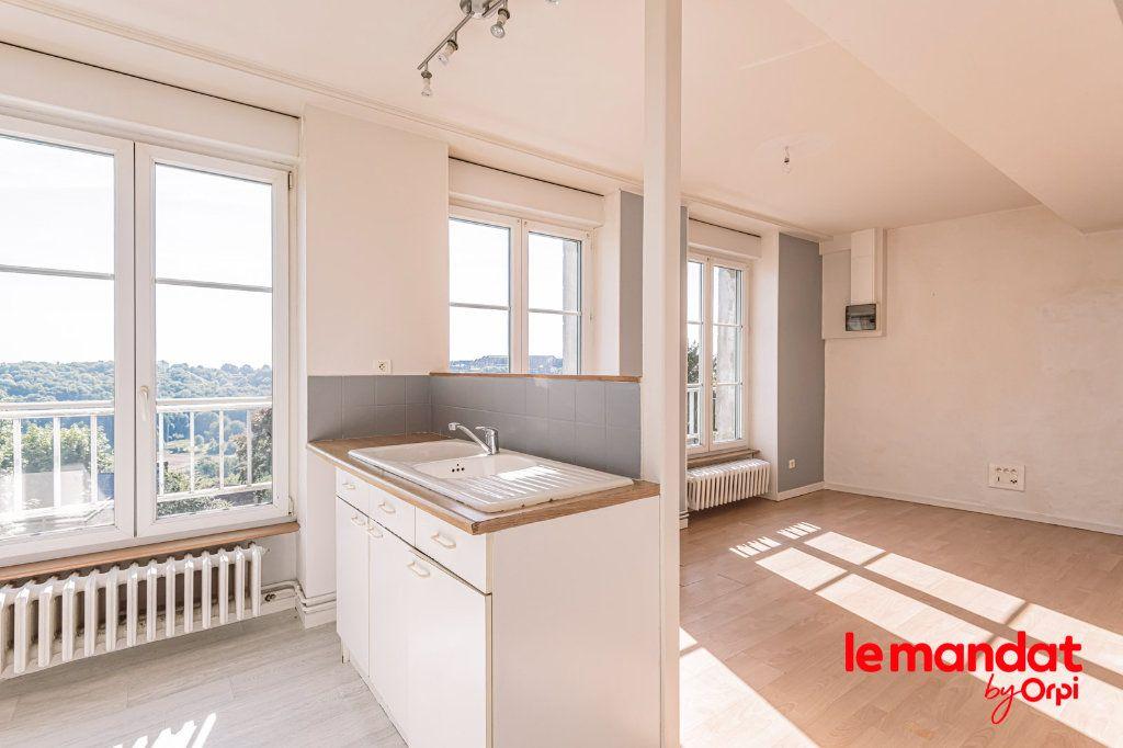 Appartement à louer 3 60m2 à Laon vignette-12