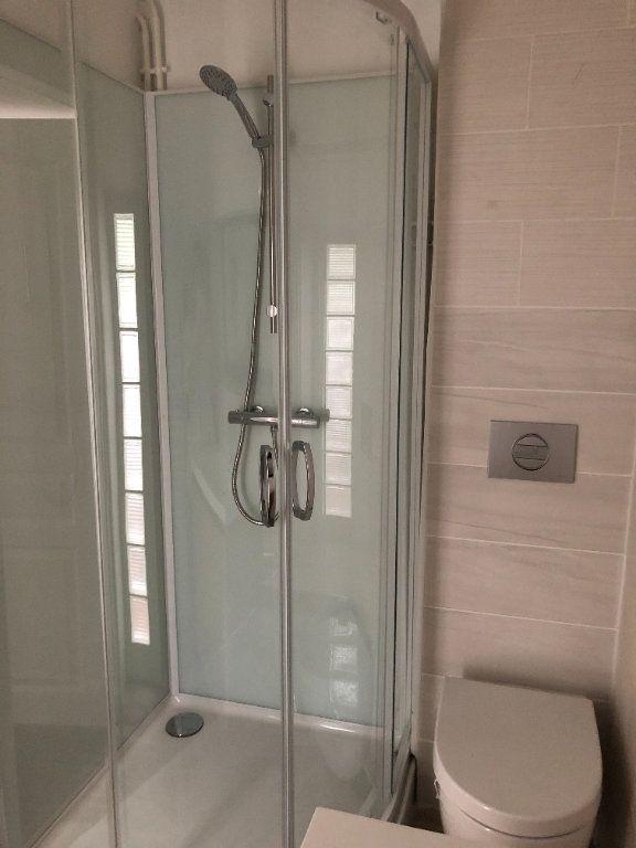 Appartement à louer 2 62.87m2 à Laon vignette-6