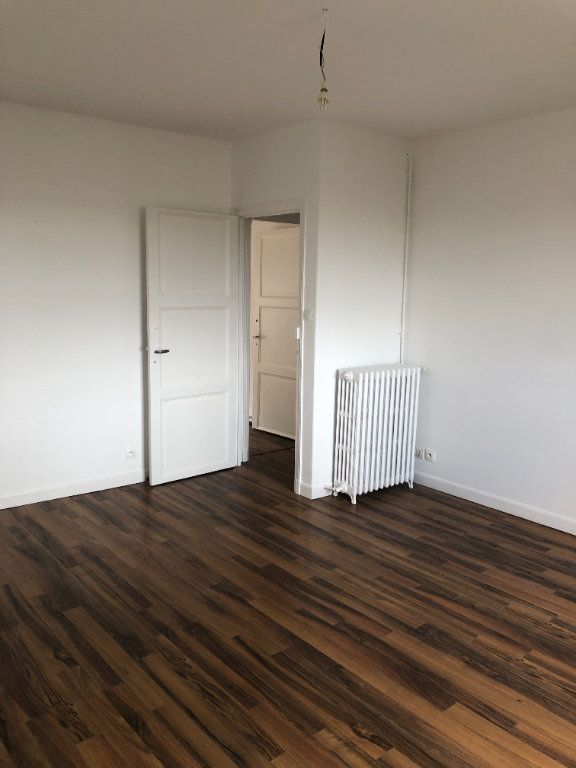 Appartement à louer 2 62.87m2 à Laon vignette-8