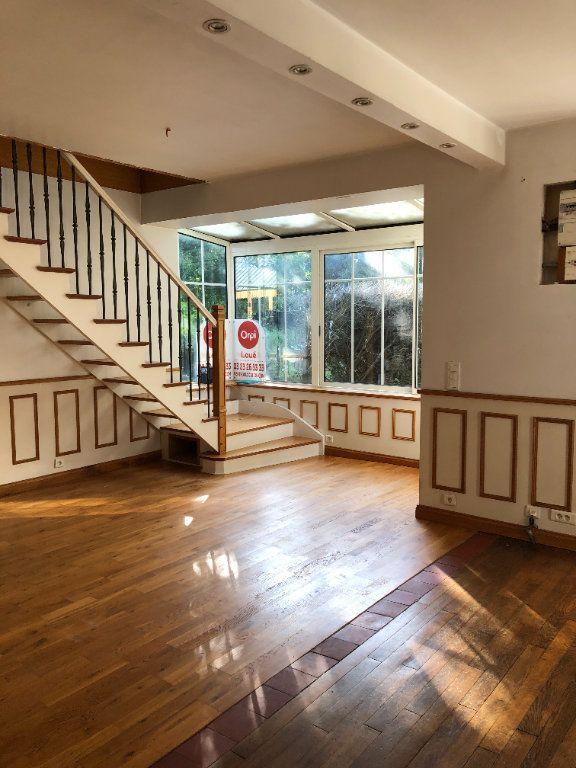 Maison à louer 5 124.75m2 à Trucy vignette-4