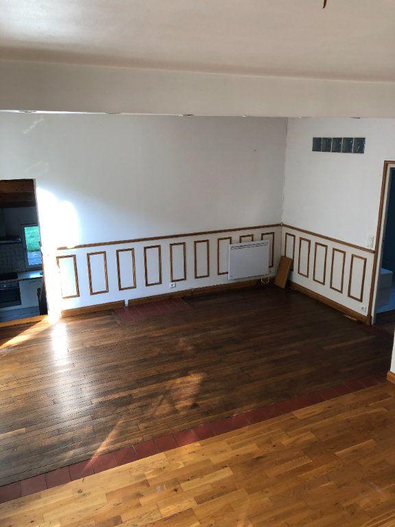 Maison à louer 5 124.75m2 à Trucy vignette-7