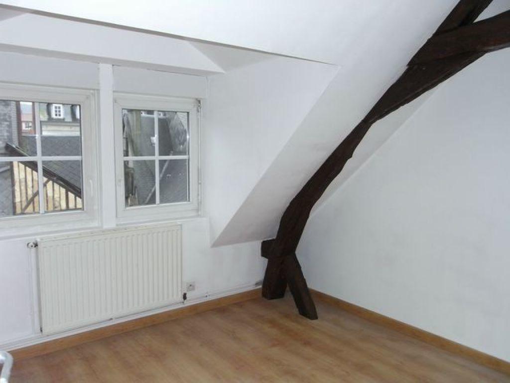 Appartement à louer 3 57.05m2 à Pont-Audemer vignette-2