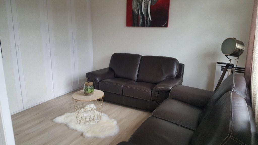 Appartement à vendre 4 67.85m2 à Oissel vignette-3