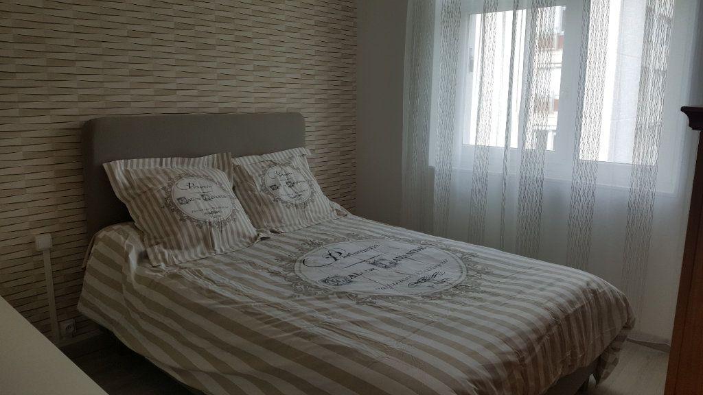 Appartement à vendre 4 67.85m2 à Oissel vignette-5