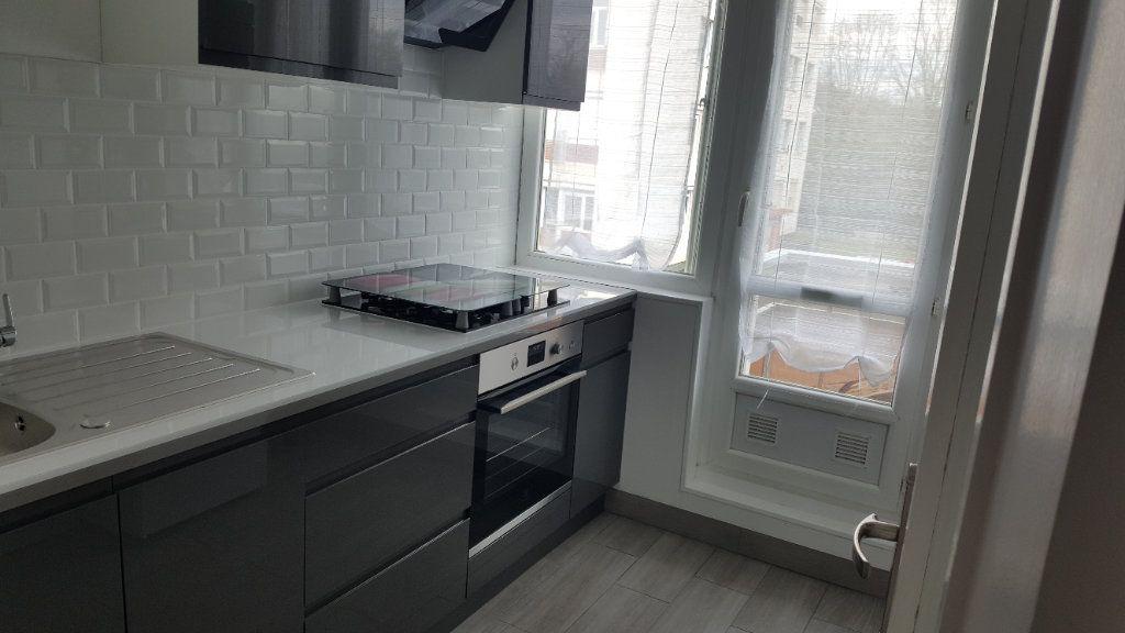 Appartement à vendre 4 67.85m2 à Oissel vignette-8