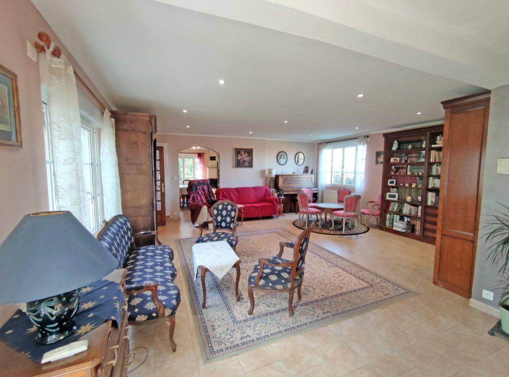 Maison à vendre 8 279m2 à Coulmiers vignette-4
