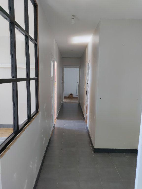 Appartement à vendre 4 102m2 à Orléans vignette-5