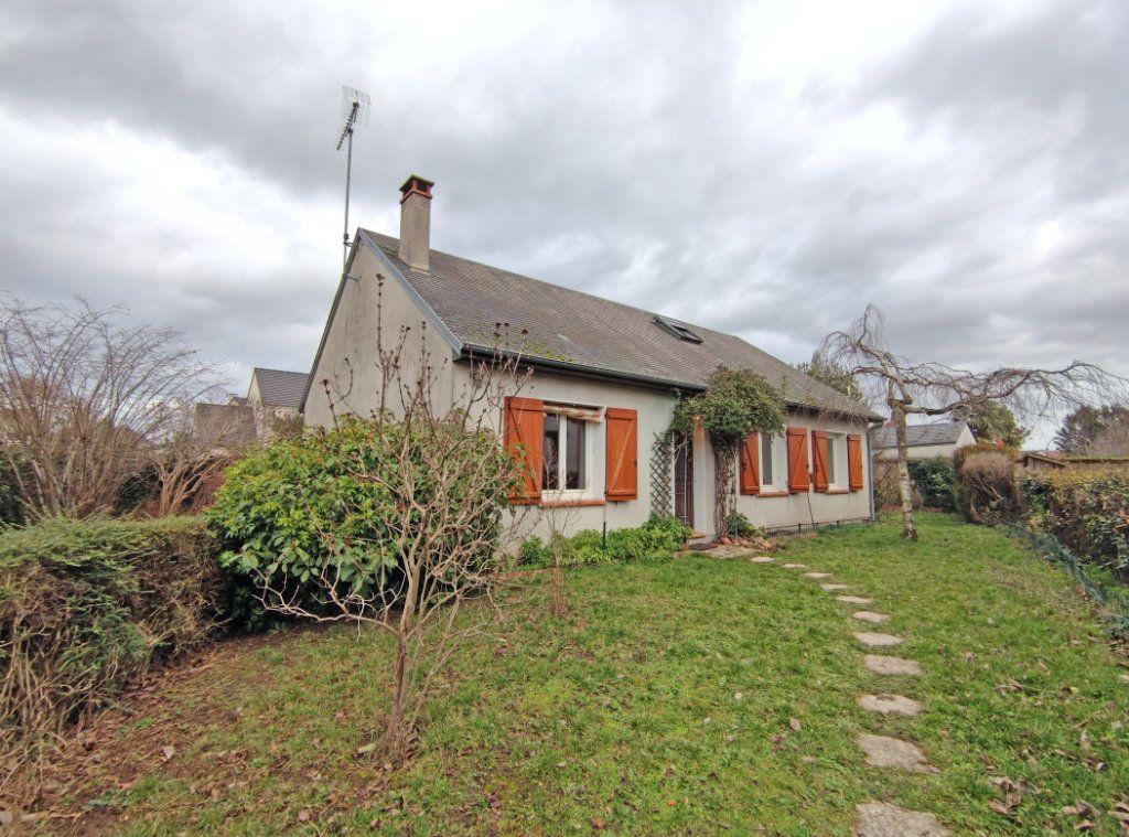 Maison à vendre 6 120.8m2 à Saint-Jean-le-Blanc vignette-1