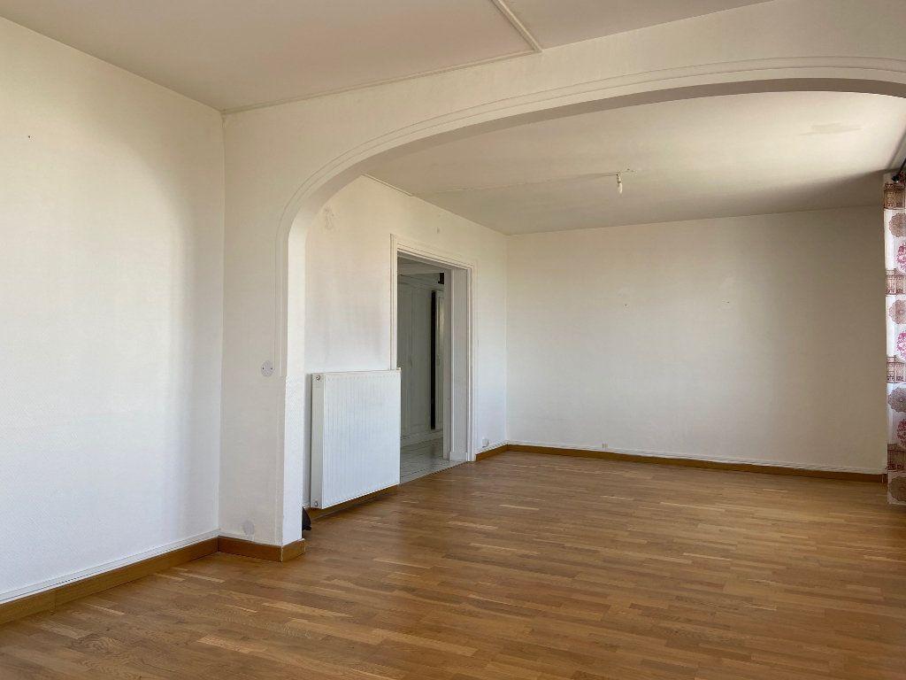 Appartement à vendre 4 85m2 à Saint-Jean-de-la-Ruelle vignette-2
