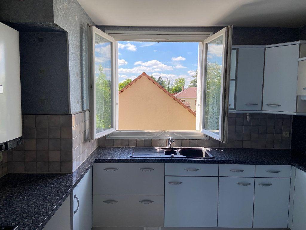 Appartement à vendre 4 85m2 à Saint-Jean-de-la-Ruelle vignette-3