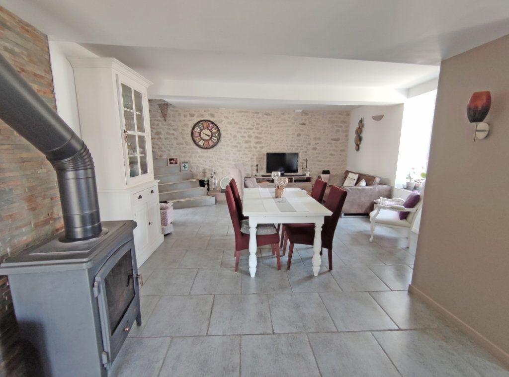Maison à vendre 4 101m2 à Saint-Sigismond vignette-5