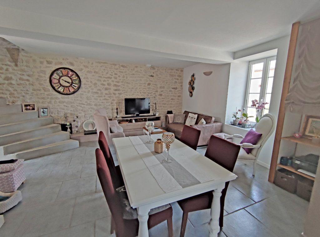 Maison à vendre 4 101m2 à Saint-Sigismond vignette-6