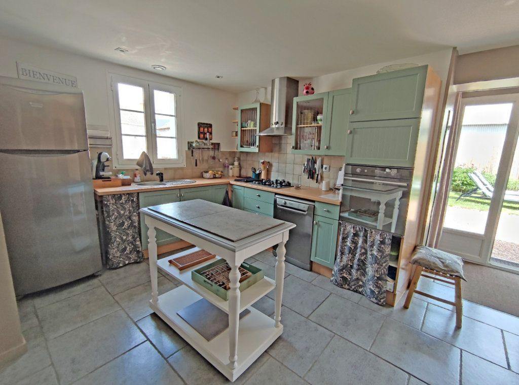 Maison à vendre 4 101m2 à Saint-Sigismond vignette-7
