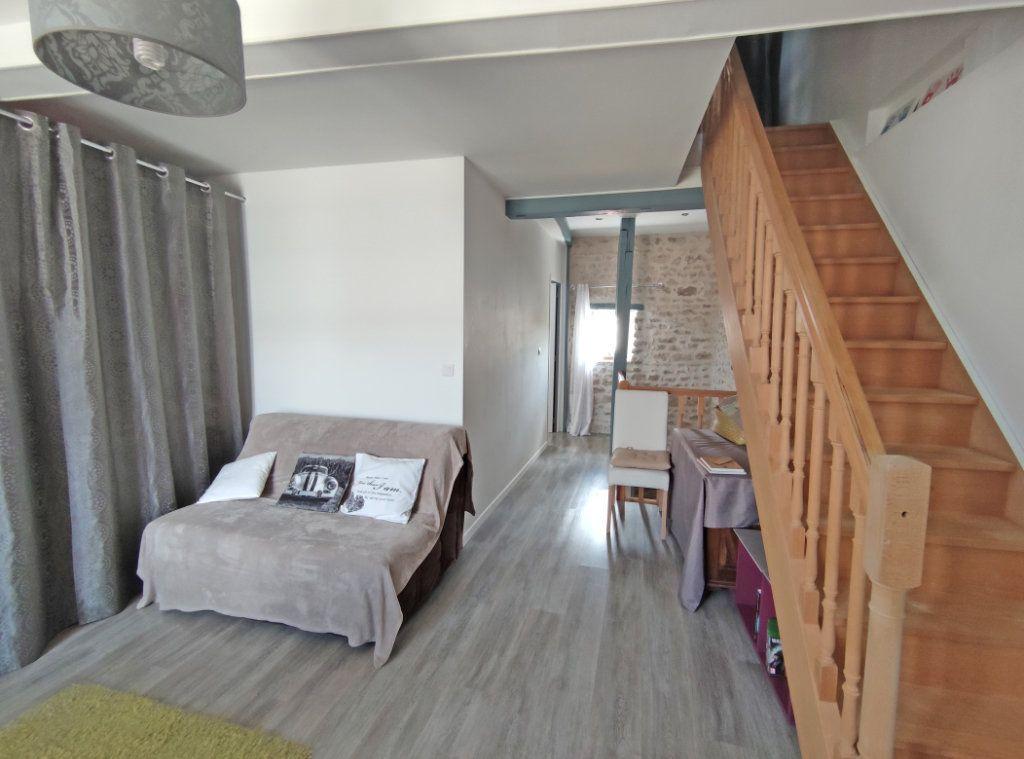 Maison à vendre 4 101m2 à Saint-Sigismond vignette-8
