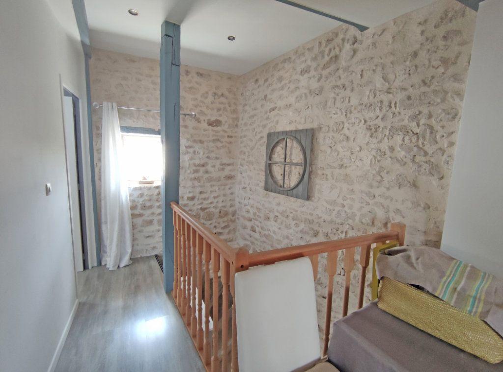 Maison à vendre 4 101m2 à Saint-Sigismond vignette-9