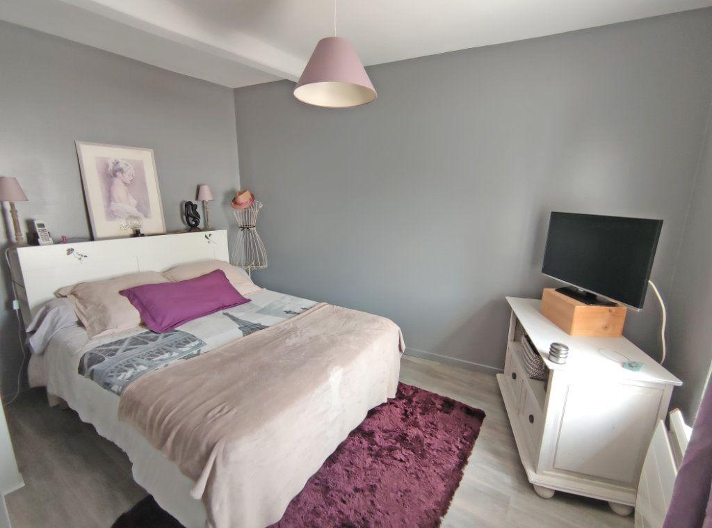 Maison à vendre 4 101m2 à Saint-Sigismond vignette-10