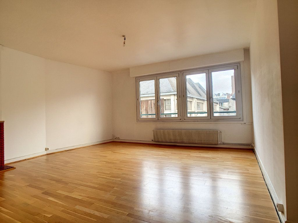 Appartement à louer 3 79m2 à Arras vignette-1