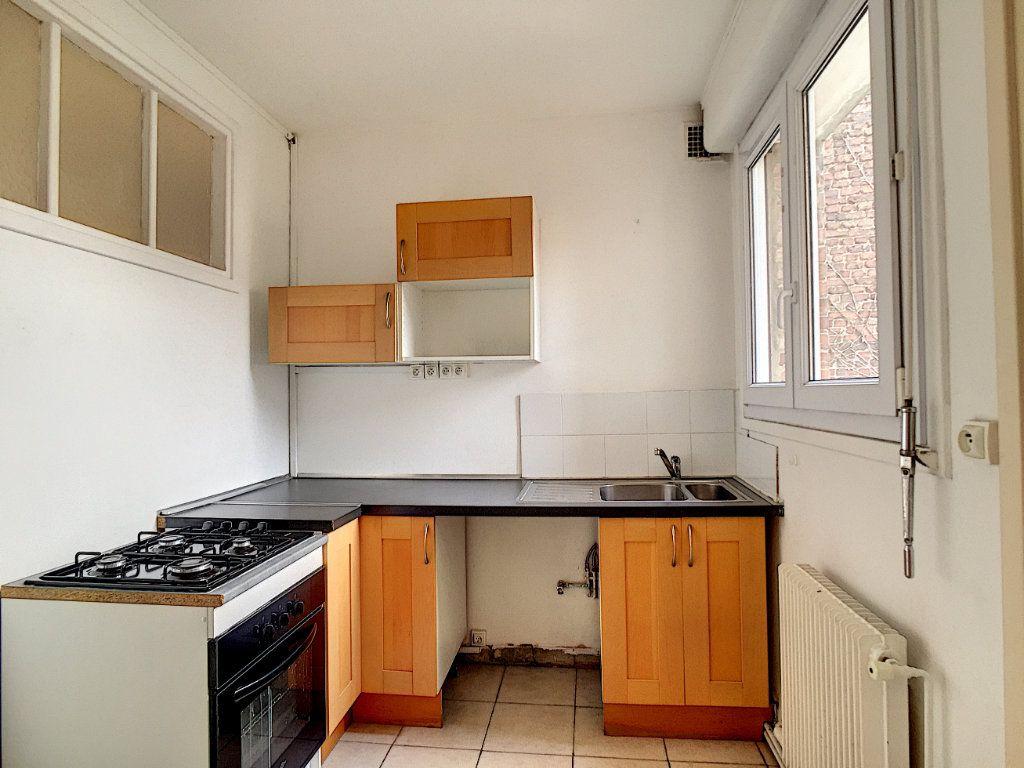 Appartement à louer 3 79m2 à Arras vignette-3