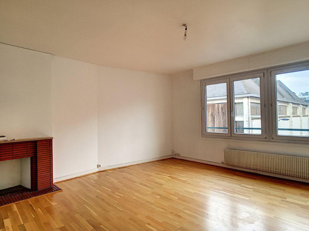 Appartement à louer 3 79m2 à Arras vignette-6
