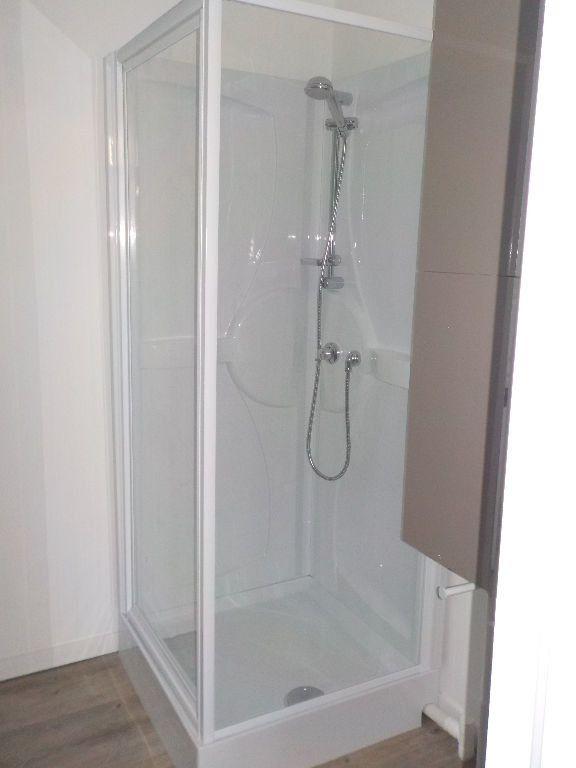 Appartement à louer 2 34m2 à Arras vignette-4