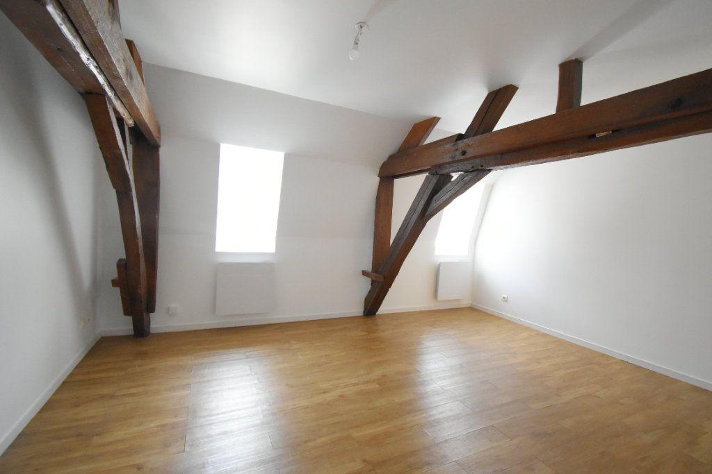Appartement à louer 3 56m2 à Arras vignette-4