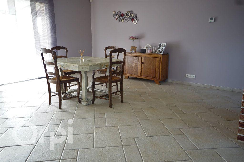 Maison à vendre 7 197m2 à Tilloy-lès-Hermaville vignette-4