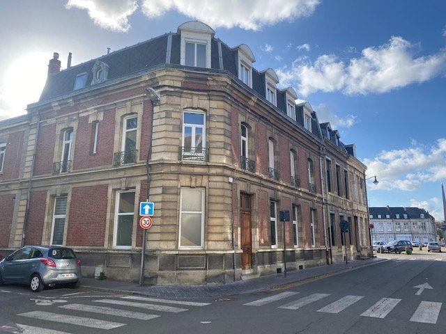 Appartement à vendre 4 123.77m2 à Arras vignette-1