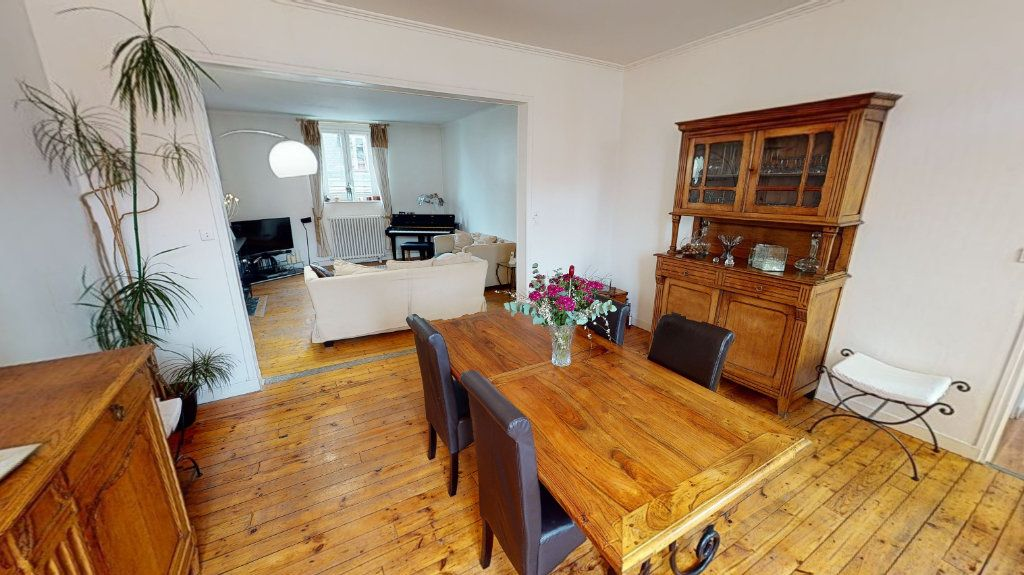 Appartement à vendre 4 123.77m2 à Arras vignette-3