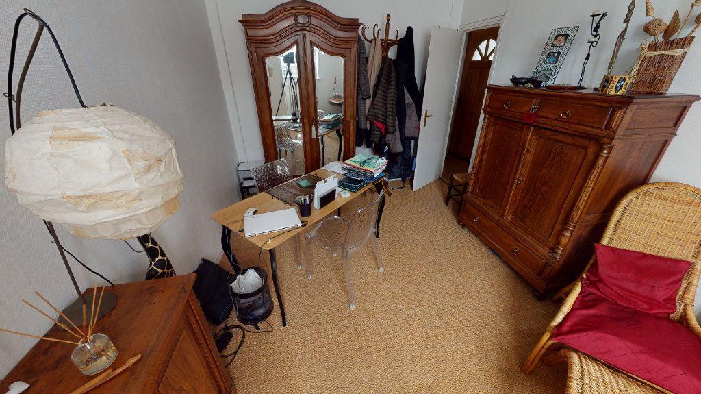 Appartement à vendre 4 123.77m2 à Arras vignette-12