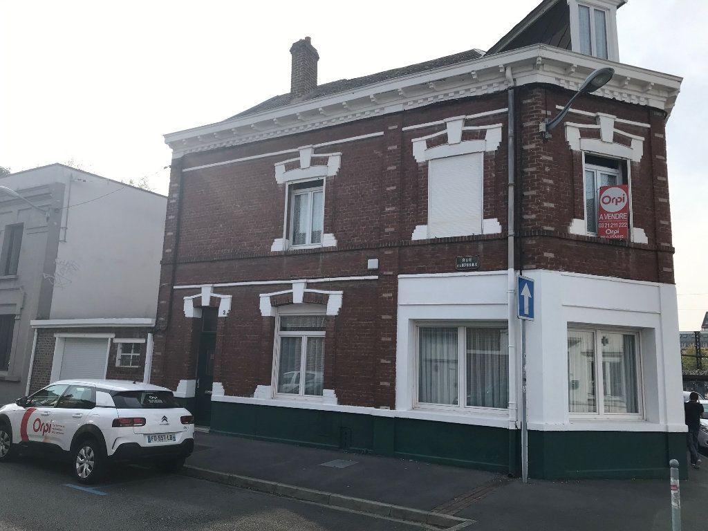 Maison à vendre 6 145m2 à Arras vignette-1