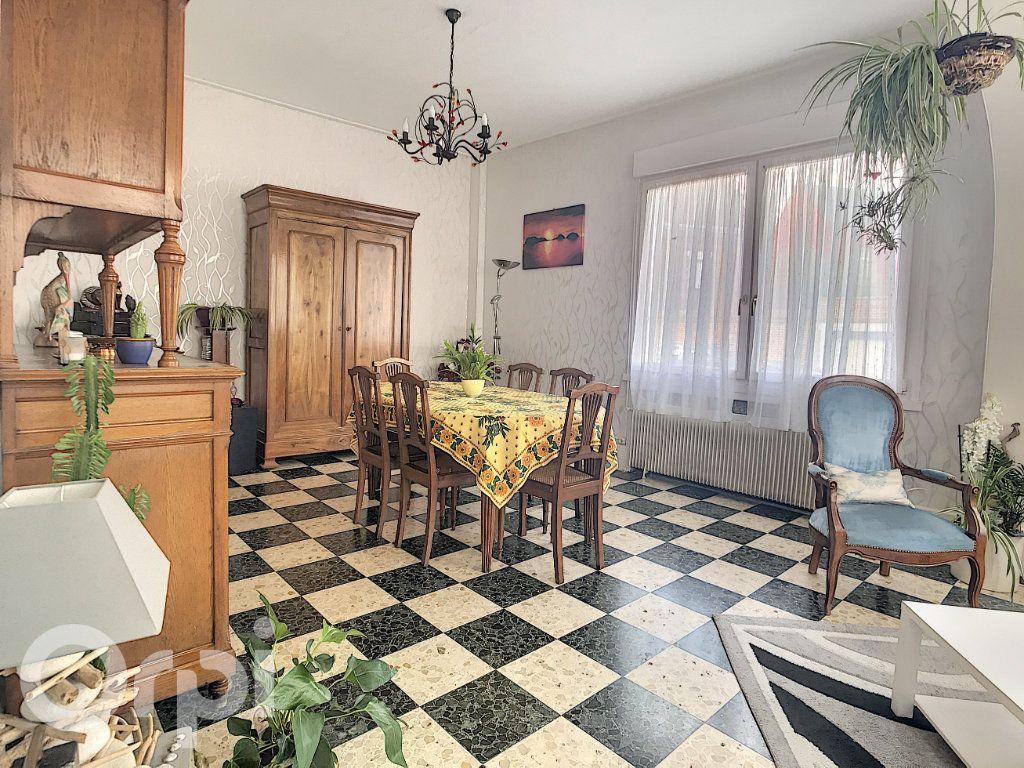 Maison à vendre 6 145m2 à Arras vignette-2
