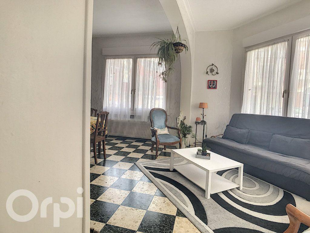 Maison à vendre 6 145m2 à Arras vignette-7