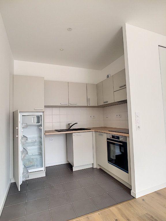 Appartement à louer 2 47m2 à Arras vignette-2