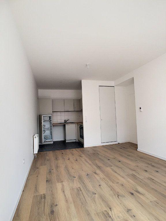 Appartement à louer 2 47m2 à Arras vignette-3
