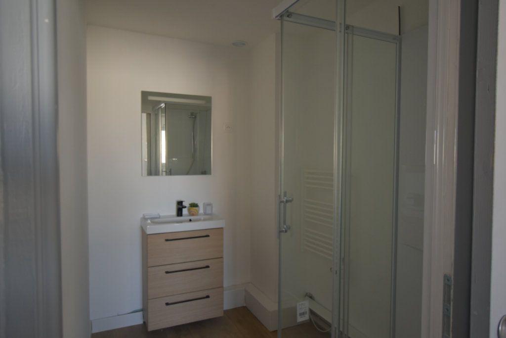 Appartement à louer 3 15.4m2 à Arras vignette-2