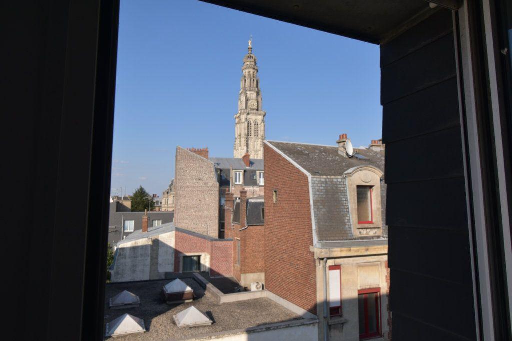 Appartement à louer 3 15.4m2 à Arras vignette-3
