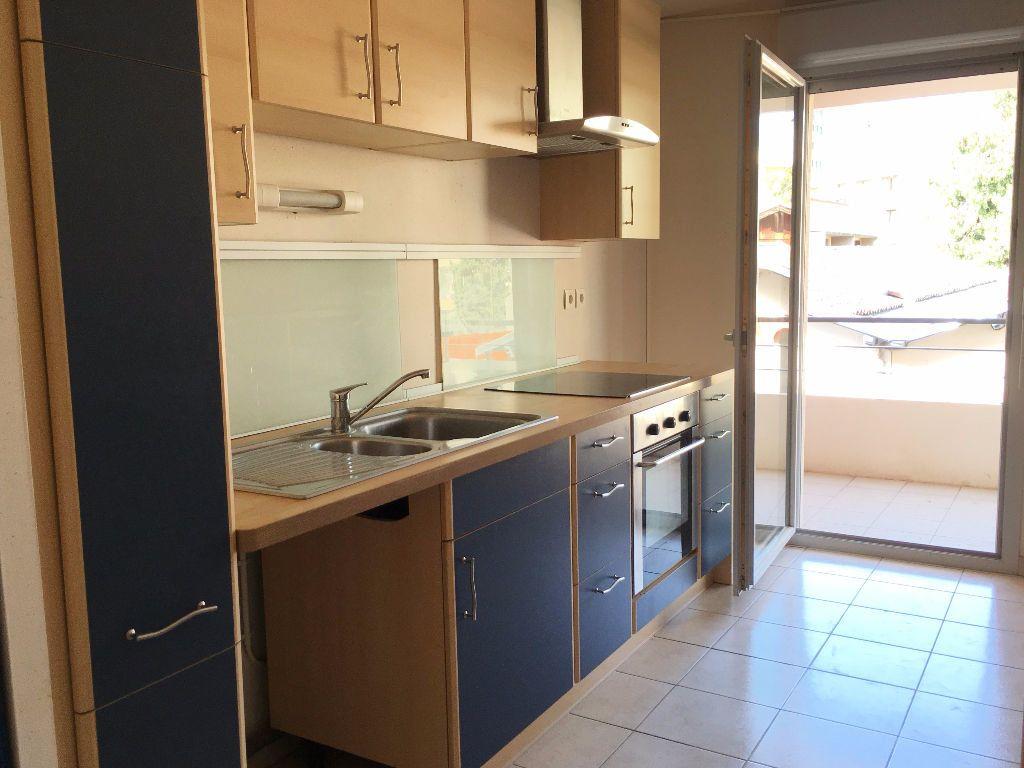 Appartement à louer 4 85m2 à Toulouse vignette-3