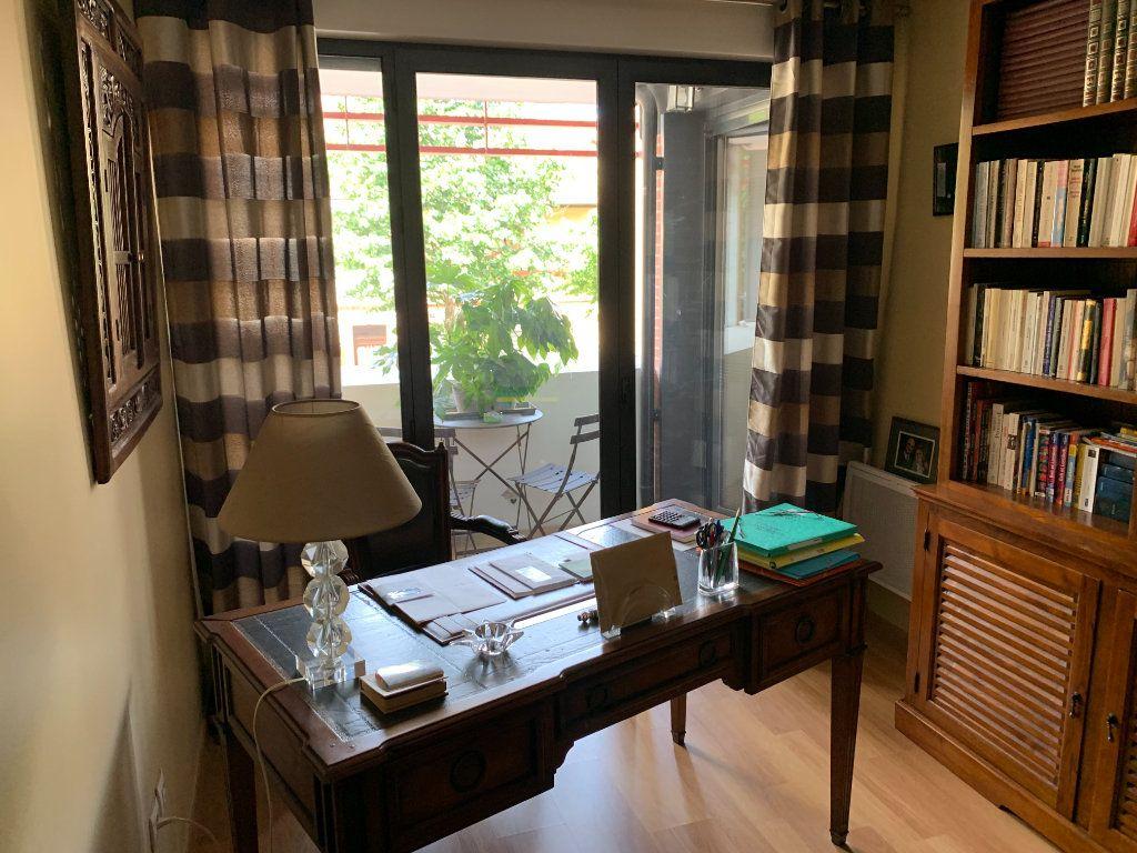 Appartement à vendre 5 136.11m2 à Toulouse vignette-2