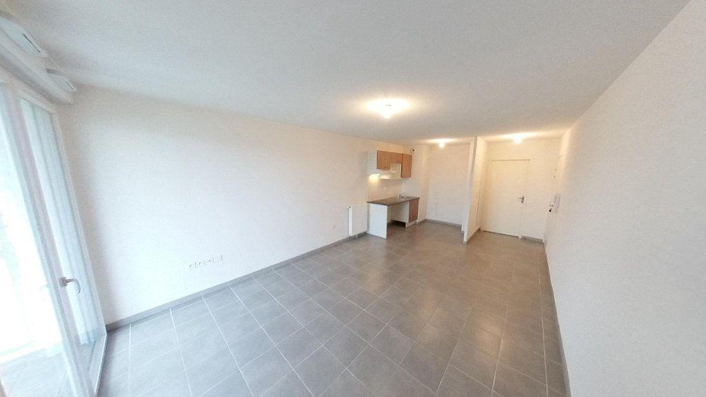 Appartement à louer 3 60.51m2 à Toulouse vignette-1
