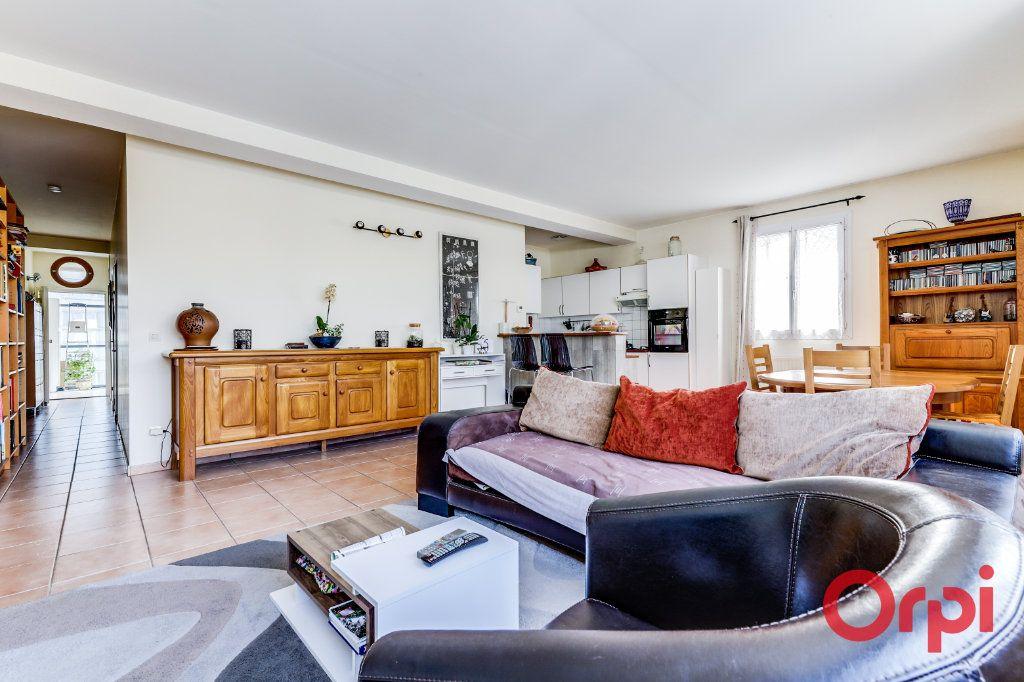 Appartement à vendre 4 106m2 à Bagnolet vignette-2