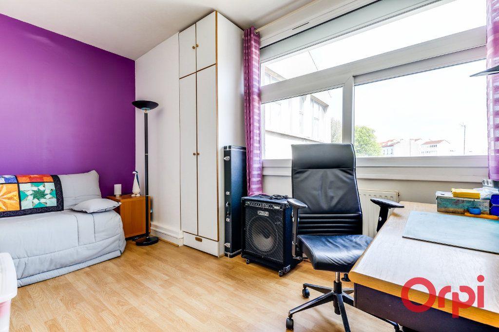 Appartement à vendre 4 106m2 à Bagnolet vignette-9