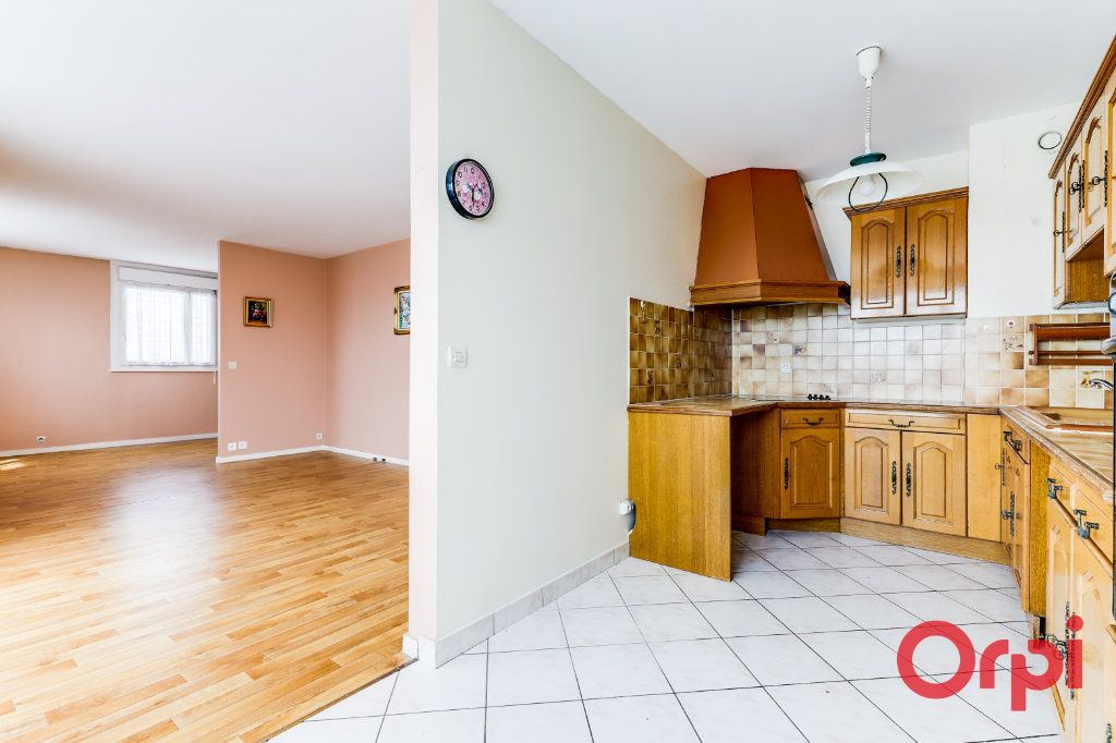 Appartement à vendre 4 82.12m2 à Bagnolet vignette-1