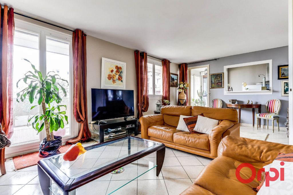 Appartement à vendre 5 93.35m2 à Romainville vignette-1