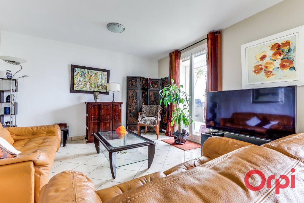 Appartement à vendre 5 93.35m2 à Romainville vignette-2
