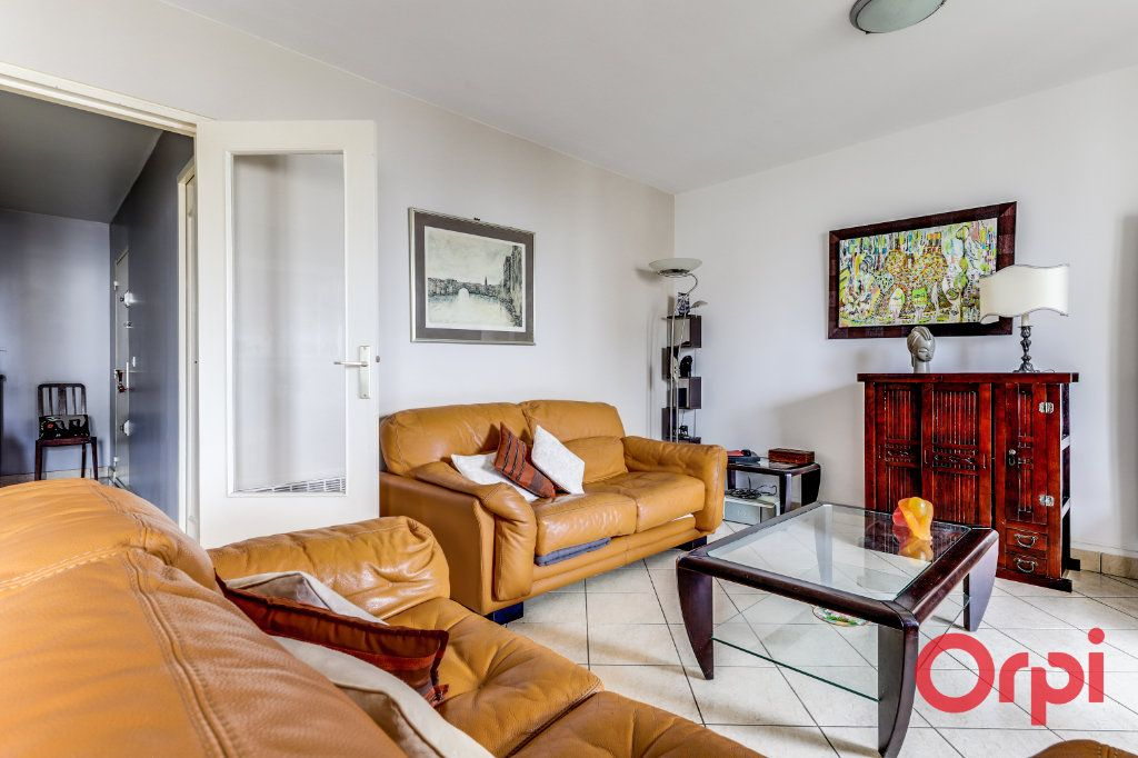 Appartement à vendre 5 93.35m2 à Romainville vignette-3