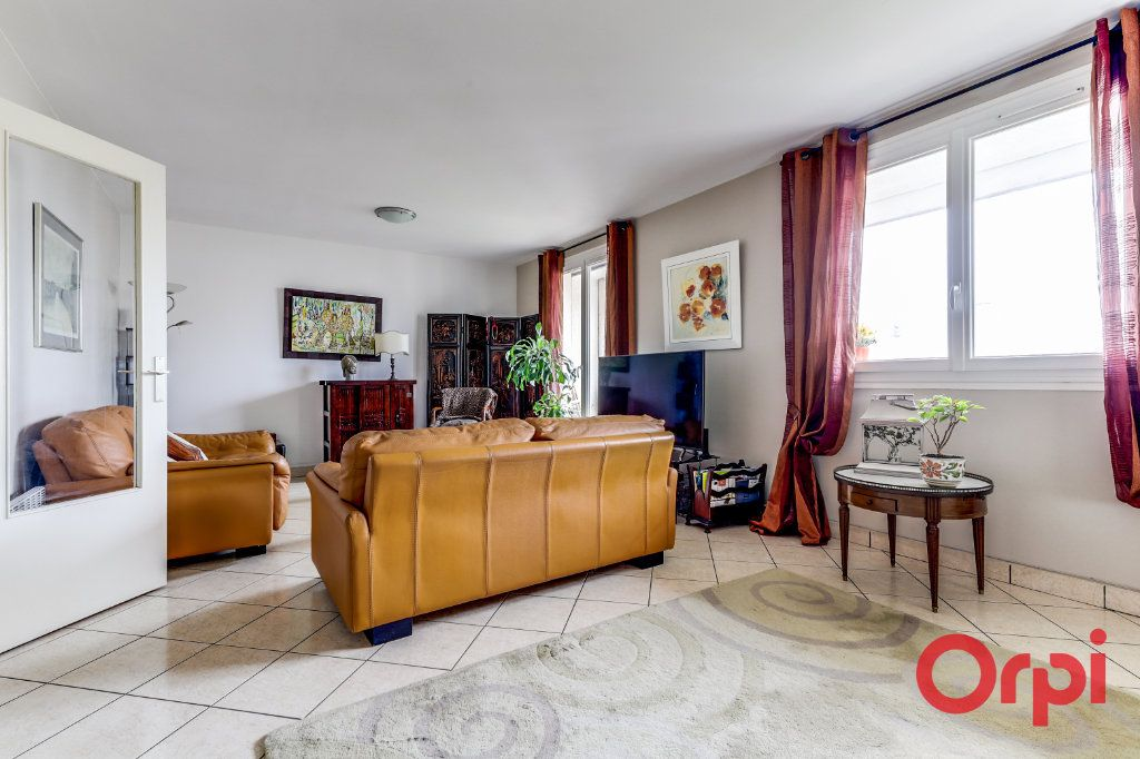 Appartement à vendre 5 93.35m2 à Romainville vignette-6