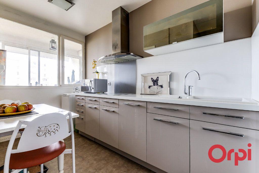 Appartement à vendre 5 93.35m2 à Romainville vignette-9