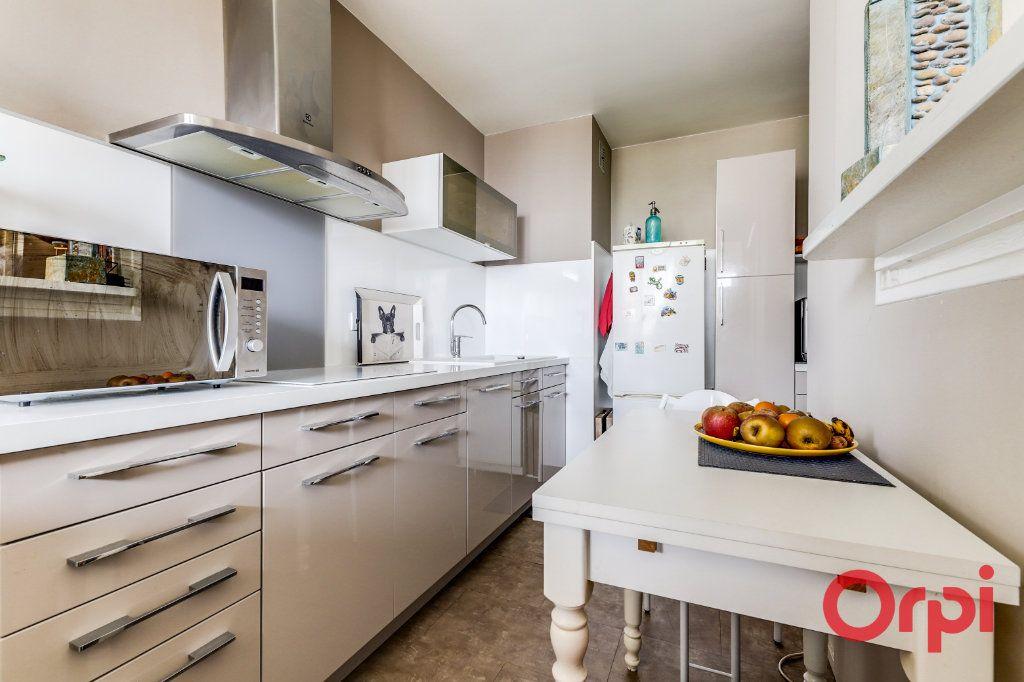 Appartement à vendre 5 93.35m2 à Romainville vignette-10